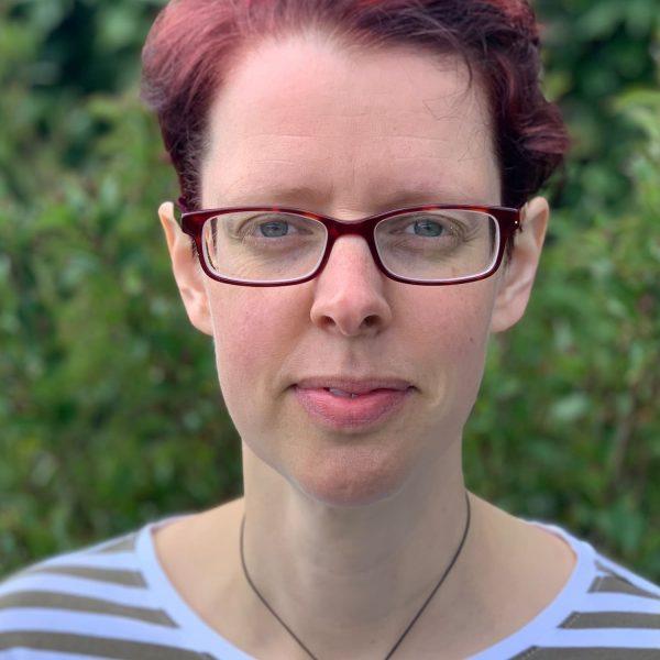 Amy Shaw headshot (1)